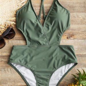 💕 • Green One-piece Swimwear